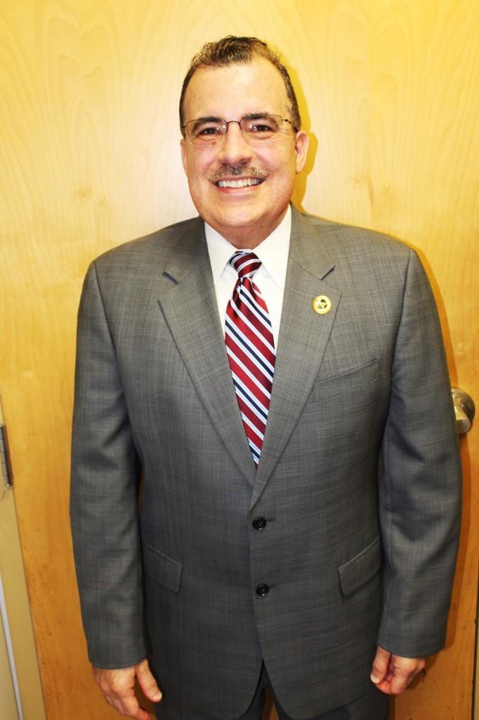 Hispana vision Mr. Angel K. Sierra About Me- 86 Park St Hartford CT 2